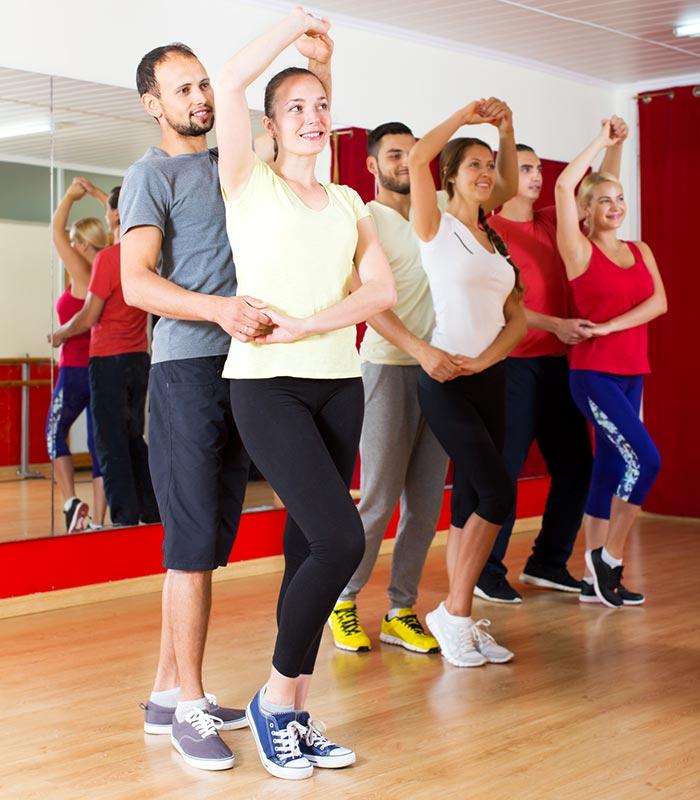 Cours danse latino lyon for Cours de danse de salon lyon